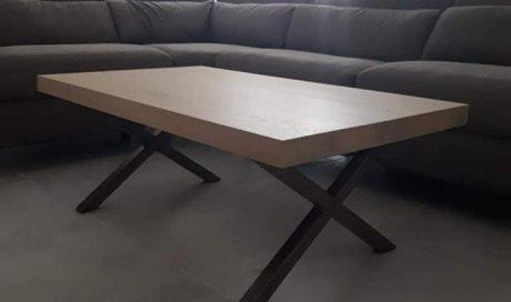 Table basse moderne en bois et métal à Champagne-au-mont-d'or